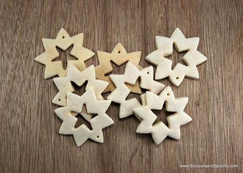 diy-christmas-ornaments-of-salt-dough-5-500x357