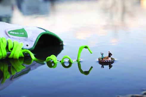 3.-Slinkachu-Fantastic-Voyage