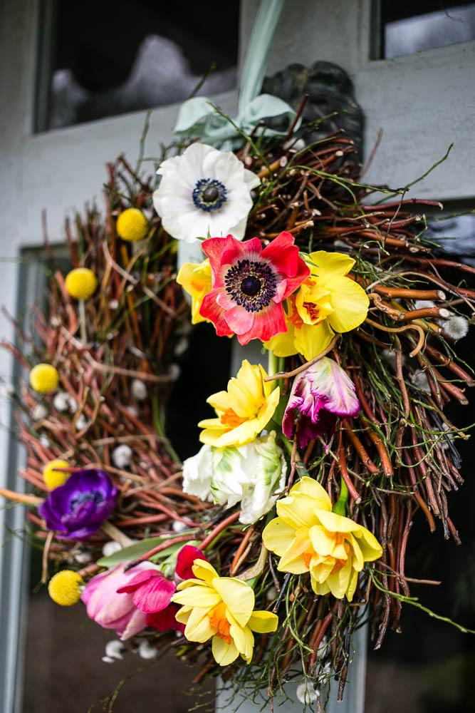 Spring-Door-Wreath-by-Housewife-Confidential-3-4