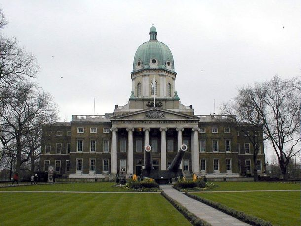 Imperial_War_Museum_Front