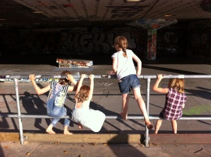 Skatepark Bus Stop Kids
