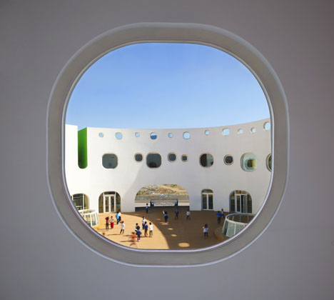 Dezeen_Loop-Kindergarten-in-Tianjin-by-SAKO-Architects_10