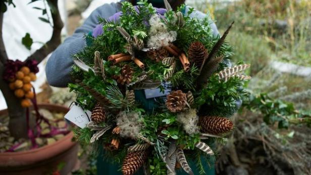 christmas-fair-at-chelsea-physic-garden-9990fcda2f77a6517909364c675b5f6e